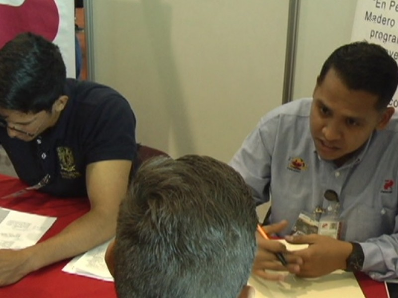 Relizan la primera Feria del Empleo Minero