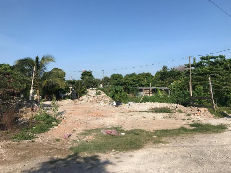 Relleno de humedales en Geovillas del Puerto