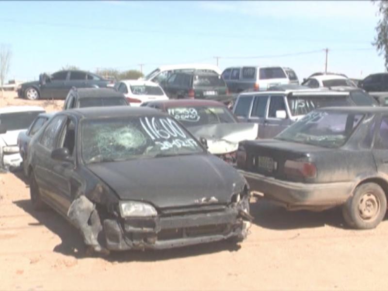 Rematarán vehículos en yarda municipal