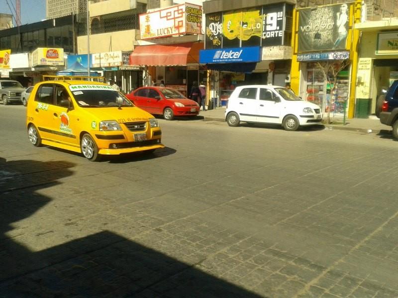 Renovarán 8 mil concesiones de taxis