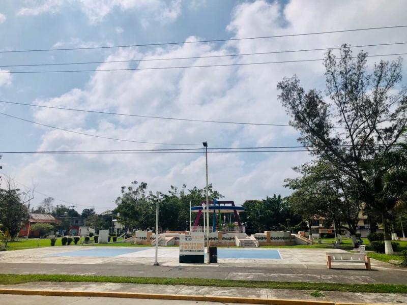 Renovarán alumbrado en el parque de Santiago de la Peña