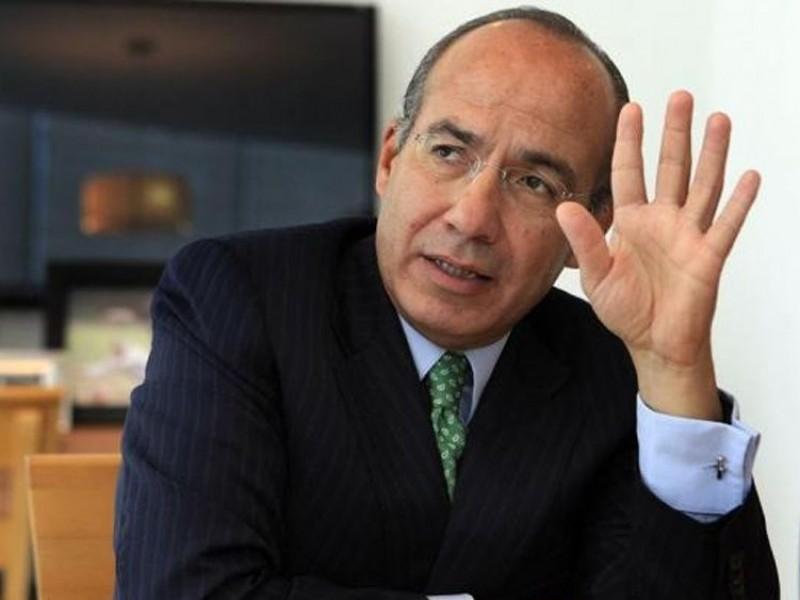 Renuncia Calderón al PAN; acusa