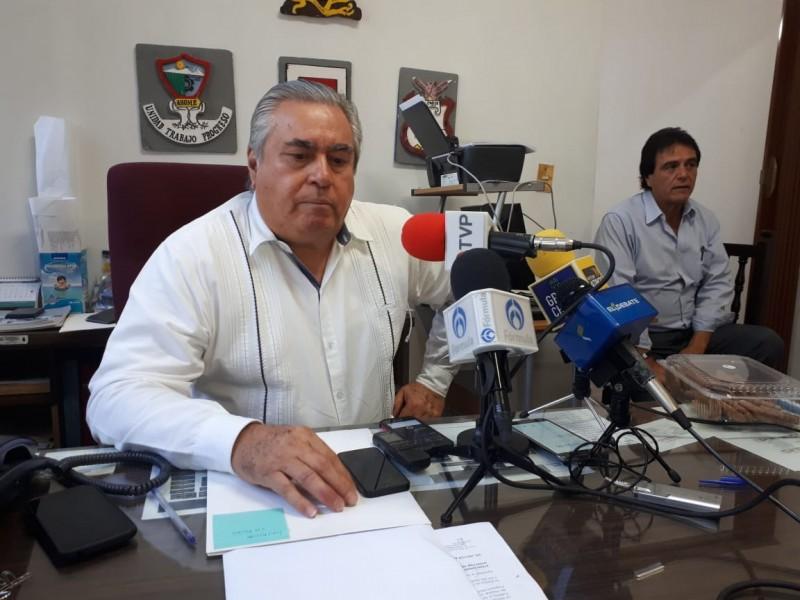 Renuncia Felipe Velázquez a Jurisdicción Sanitaria 01