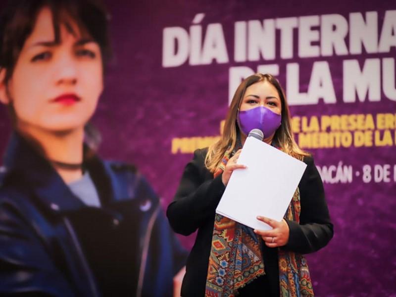 Renuncia Nuria Hernández Abarca a la Seimujer