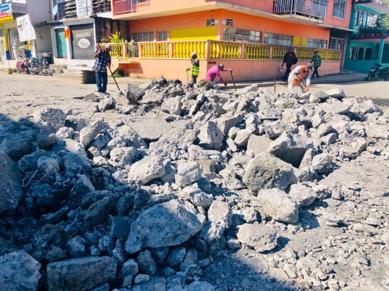 Reparan calle 15 de Septiembre en Tuxpan