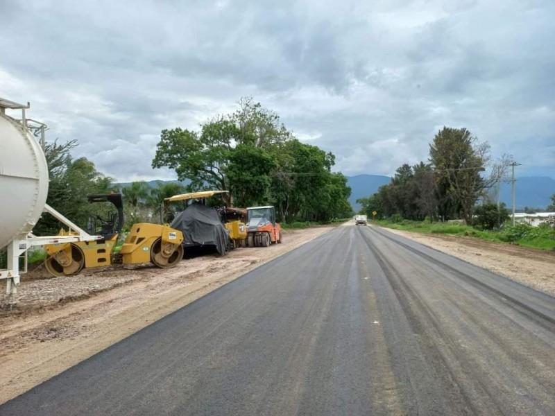 Reparan socavón en carretera Sayula- Zapotlán el Grande