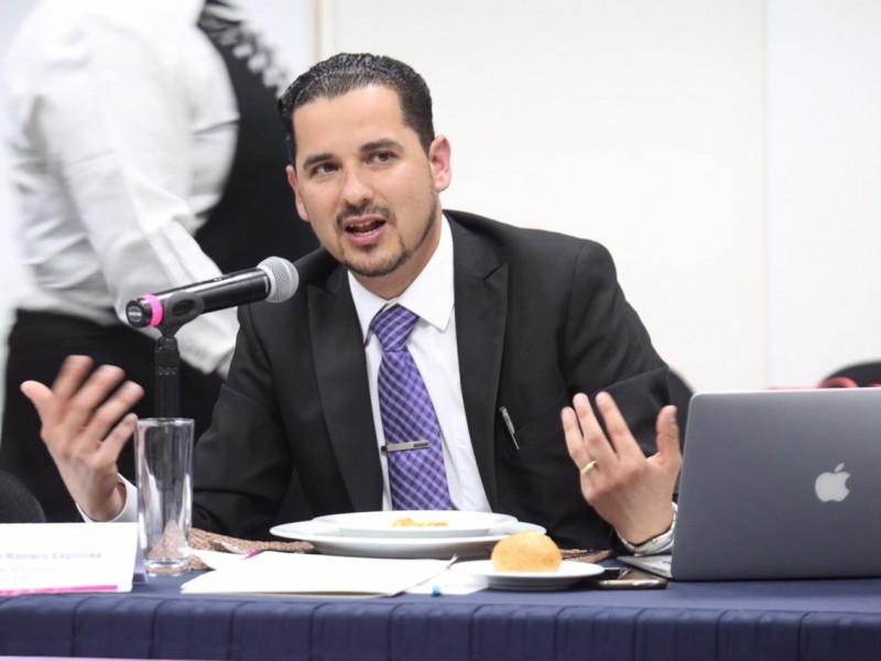 Repite en el ITEI el comisionado Salvador Romero; gana votación