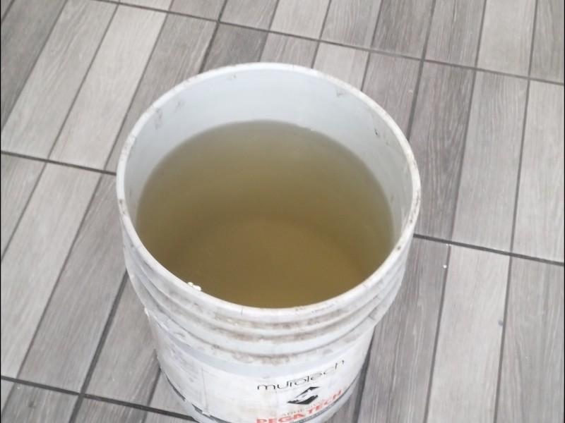 Reportan agua sucia en el Centro de GDL