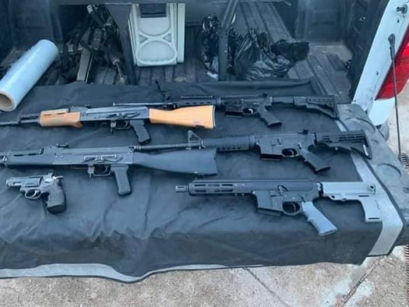 Reportan aseguramiento de armas y vehiculos abandonados en Nogales