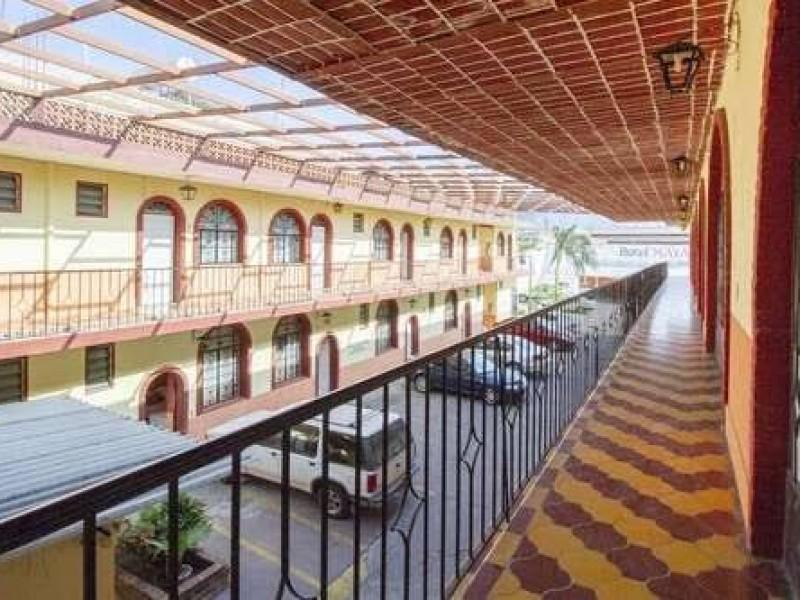 Reportan cierre de hoteles en Amatlán de Cañas por pandemia