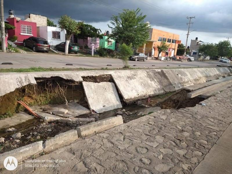 Reportan colonos destrucción de canal en La Cantera