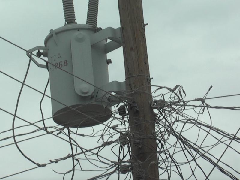 Reportan cortes de energía eléctrica en varias colonias de CSL