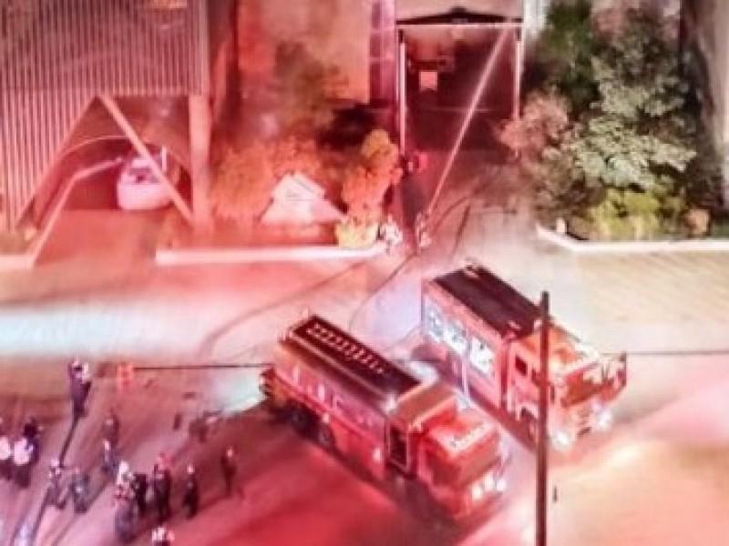 Incendio en subestación eléctrica del Metro deja un muerto