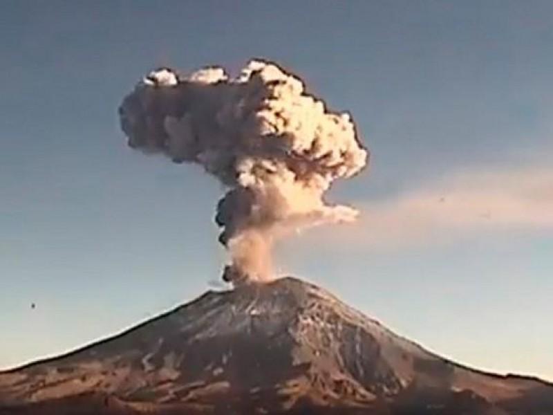 Reportan moderada actividad del volcán Popocatépetl