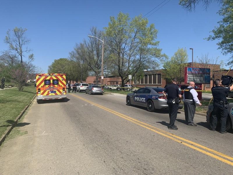 Reportan tiroteo en escuela secundaria de Tennessee