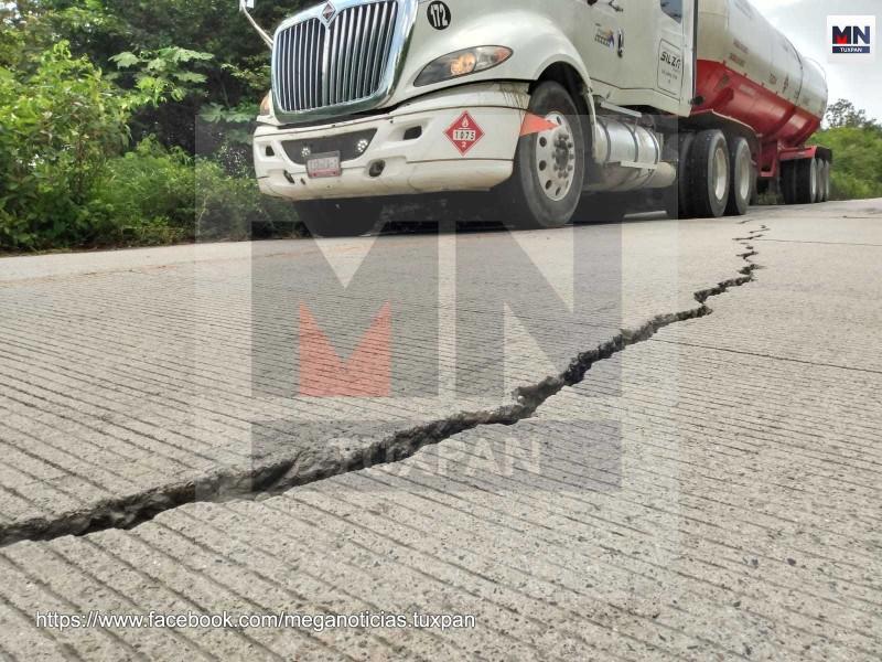 Reportan tramos fracturados en Los Kilómetros
