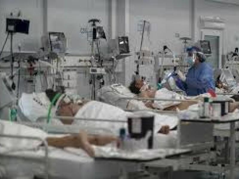 Reportan un fallecido por COVID en Puebla y 10 contagios