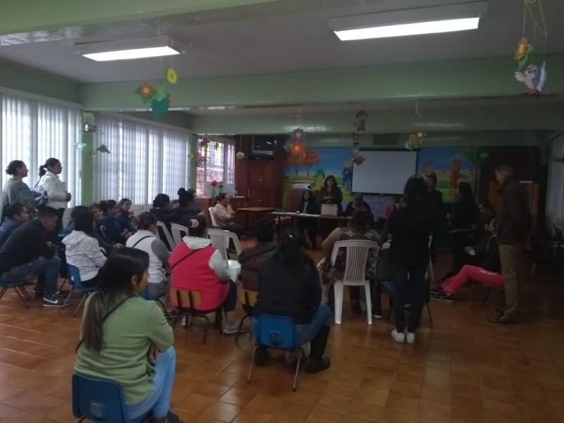 Repudian a  directora de la Rosaura Zapata