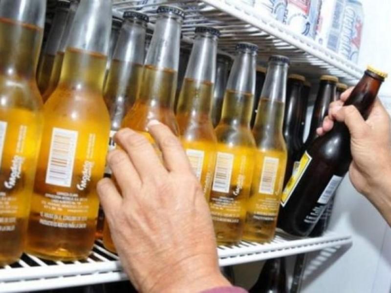 Repunta clausura de negocios por venta de alcohol a menores