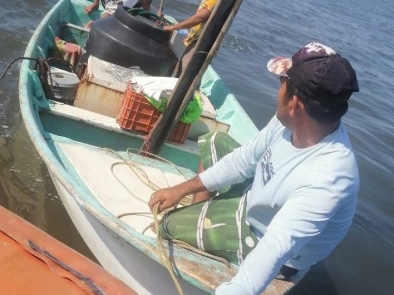 Rescata MARINA en Boca de Camichín 3 tripulanes perdidos