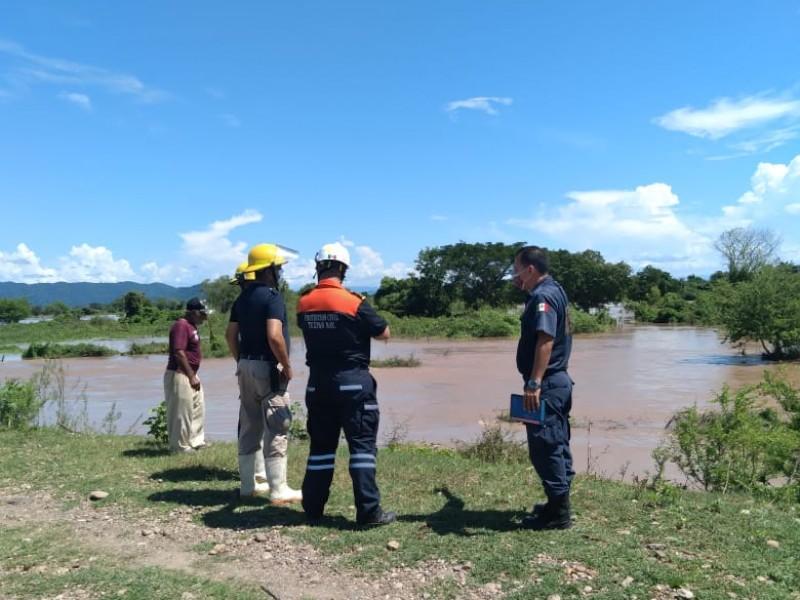 Rescatan a dos personas en el río San Pedro