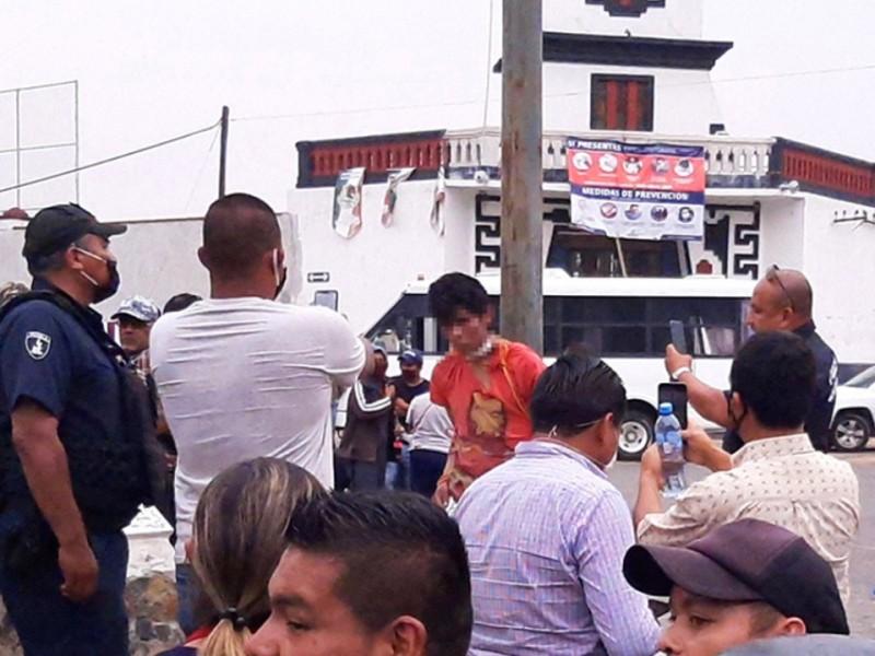 Rescatan a 39 personas de ser linchadas en Puebla