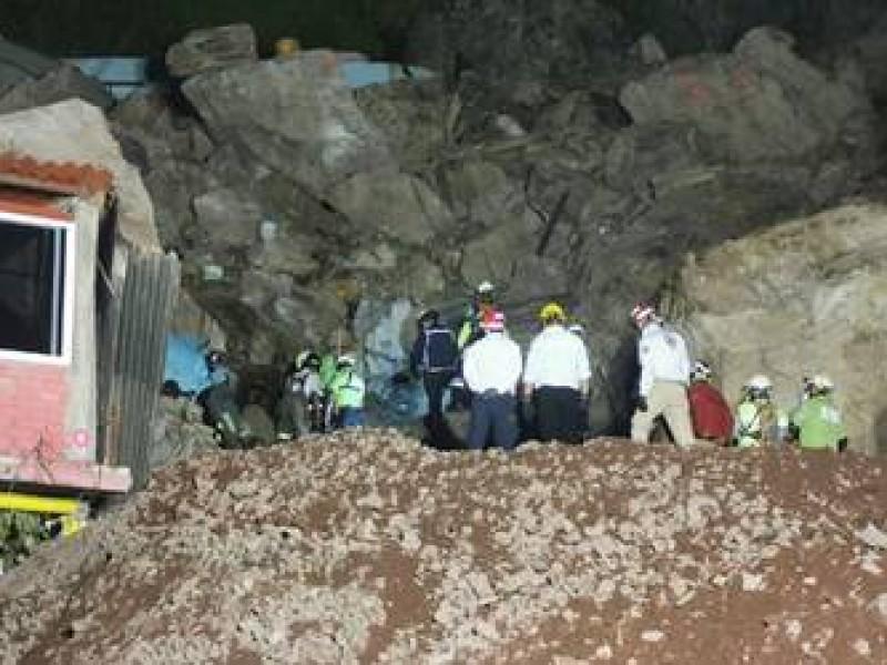 Rescatan los cuerpos de Paola y Dylan en el Chiquihuite