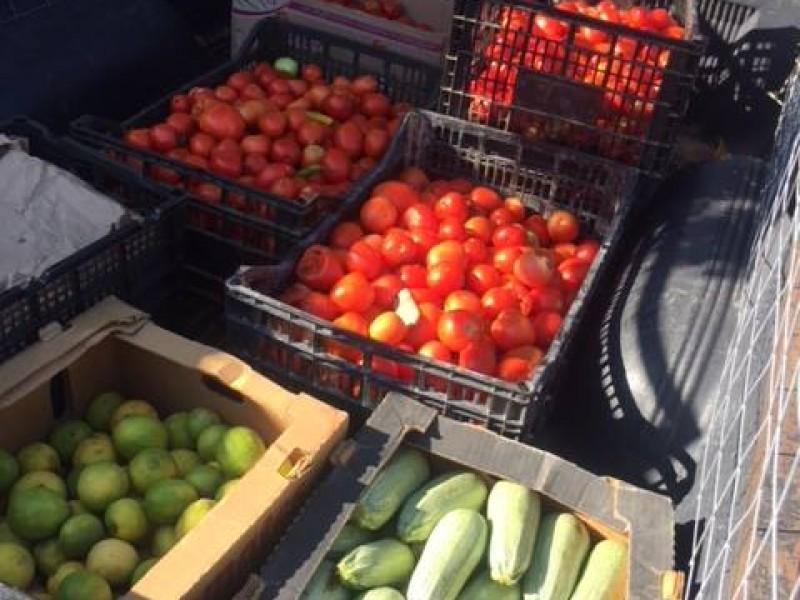 Rescatan más de 26 toneladas de alimentos para familias paceñas