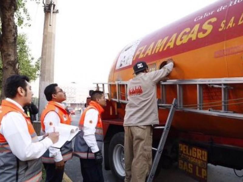 Resguardan autotanques de gas por no cumplir seguridad