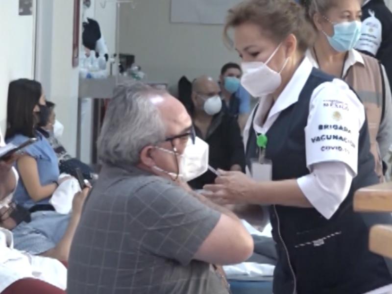 Residentes de Medicina  no son contemplados para vacunación covid-19