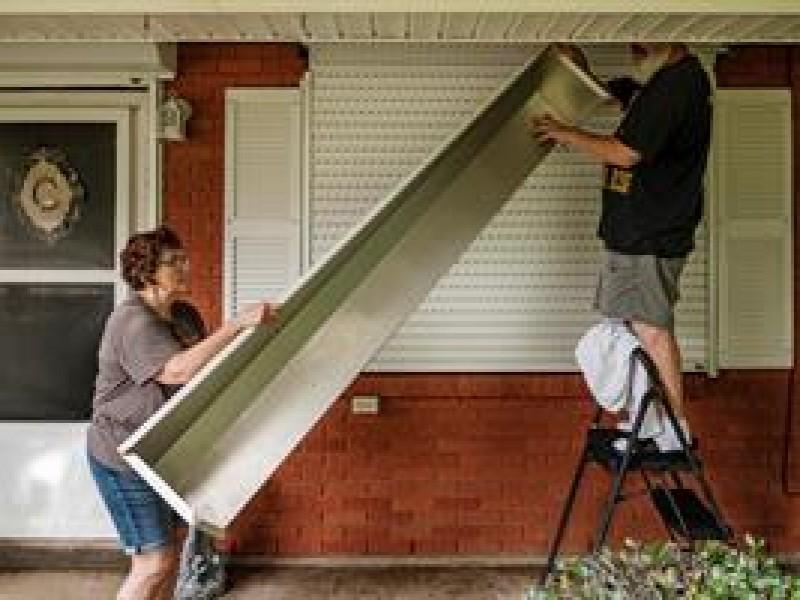 Residentes de Nueva Orleans y Luisiana evacúan ante Ida