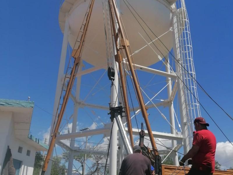 Restablecen servicio de agua potable en colonias afectadas en Jerez