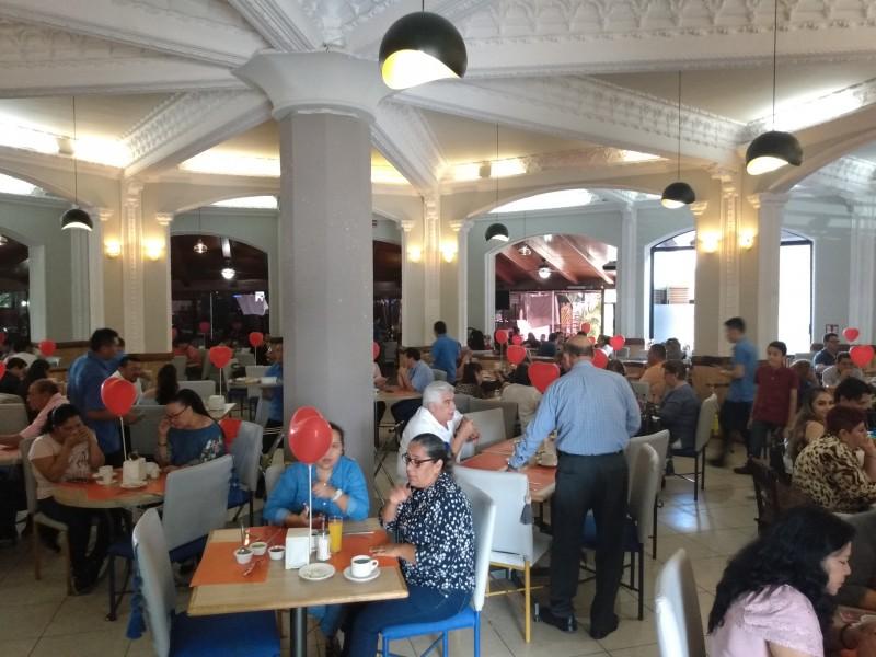 Restauranteros aprovechan festejos de febrero
