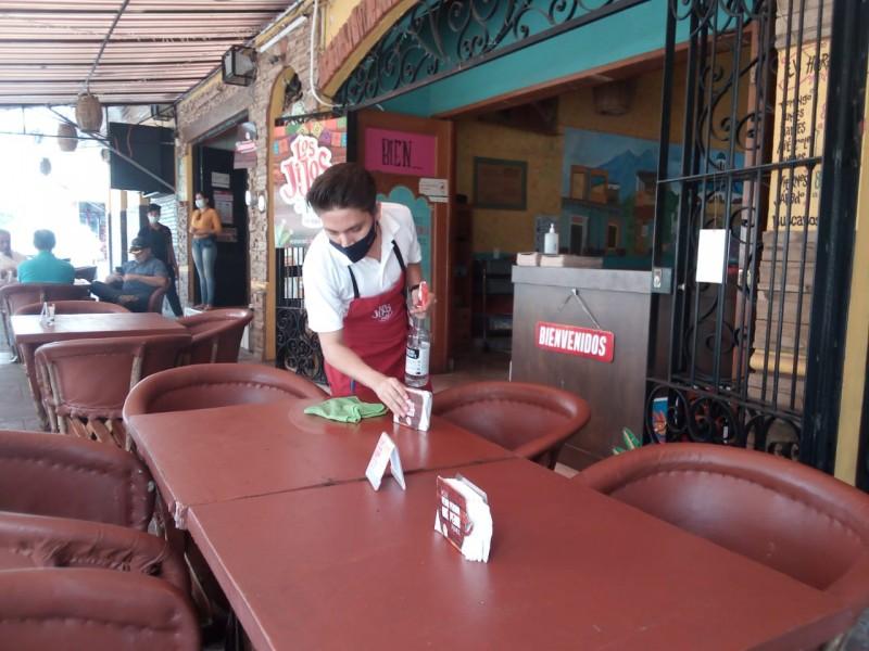 Restauranteros difieren con Salud, aseguran cumplir en prevención del Covid-19