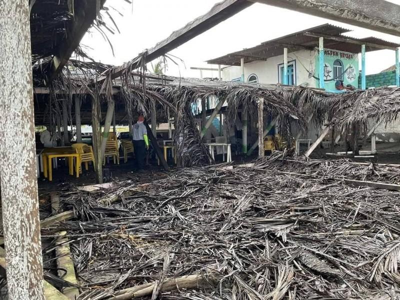 Restaurantes costeros resultaron afectados por huracanes y tormentas