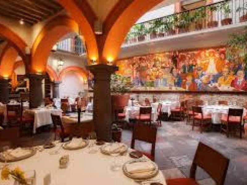 Restaurantes reabren interior de establecimientos al 30% de capacidad