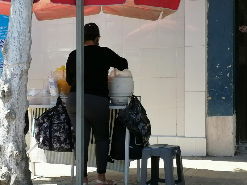 Restricciones del estado deja puestos de comida clausurados en Tehuacán