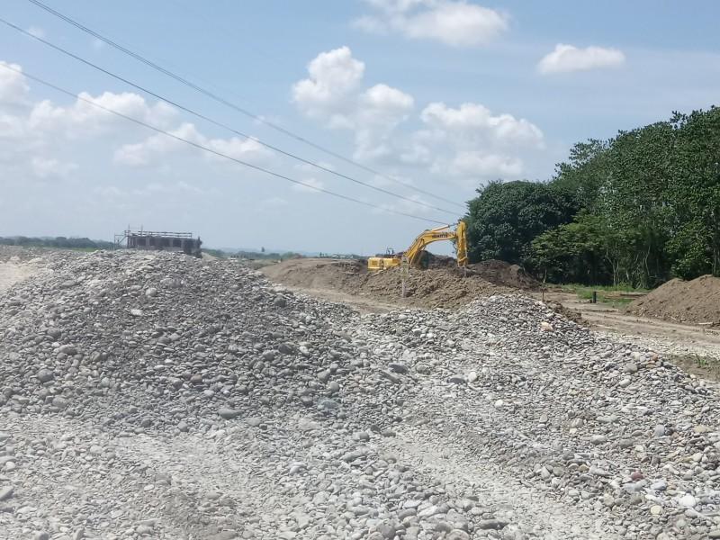 Retiran bloqueo en obras de autopista Tuxpan-Tampico
