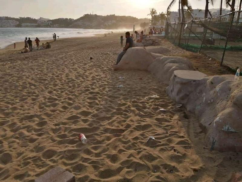 Retiran hasta 1.6 toneladas de basura en playas de Manzanillo