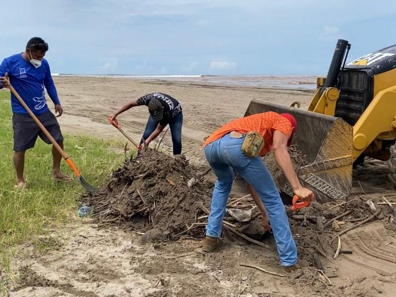Retiran más de 20 toneladas de basura en playa Linda