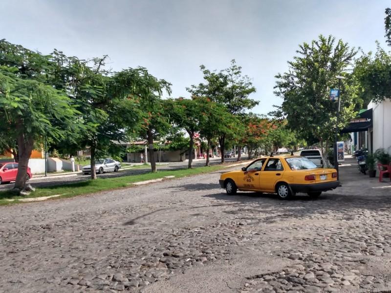 Retiran mototaxis; habitantes respaldan operación en colonias de Colima
