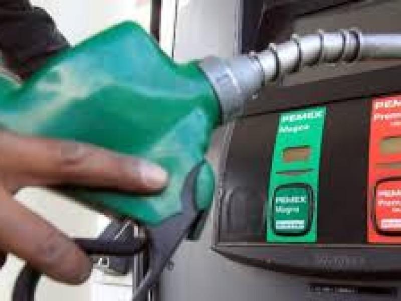 Retiran subsidio a gasolina roja