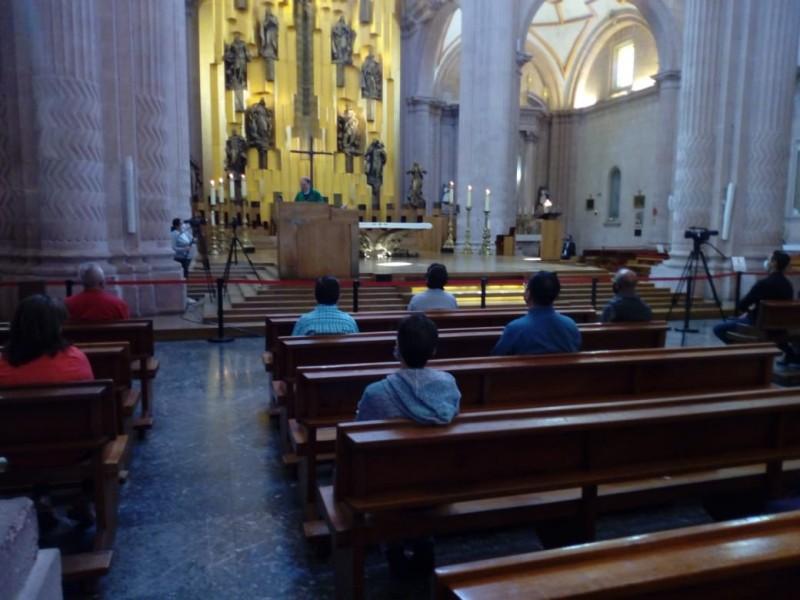 Retoman misas presenciales