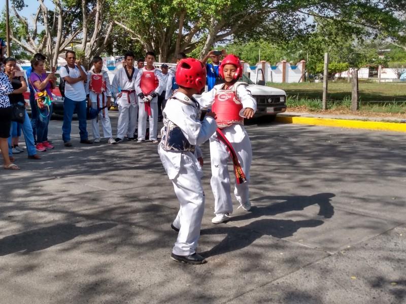 Retoman torneo de taekwondo en Tuxpan