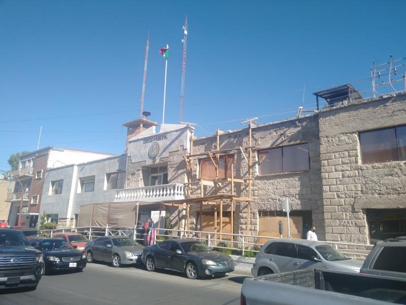 Retoman trabajos de remodelación en Palacio Municipal