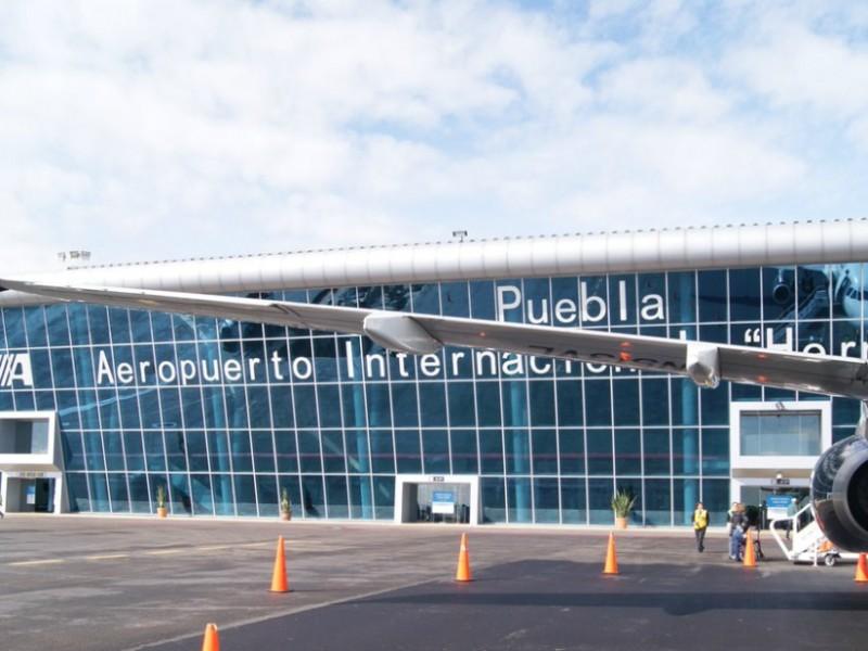Retornan 6 poblanos de Estados Unidos en vuelo de connacionales