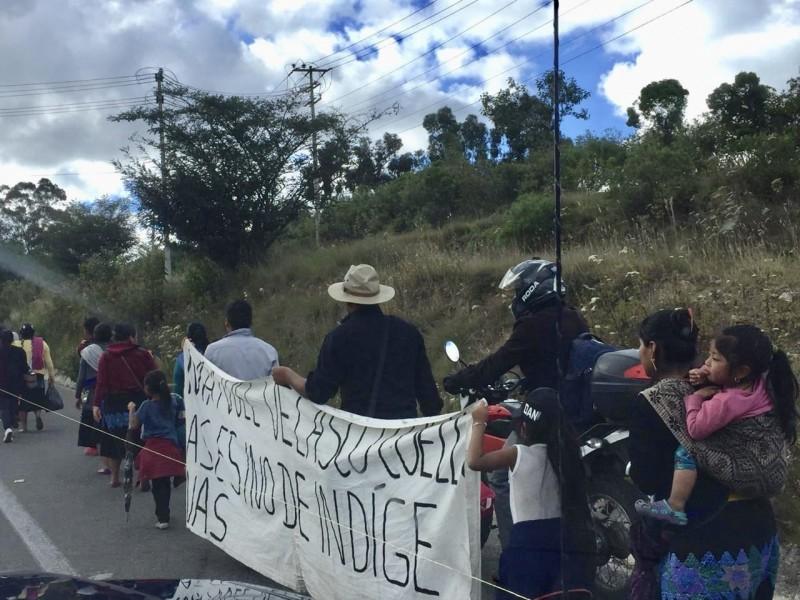 Retornan a sus comunidades desplazados de Pantelhó