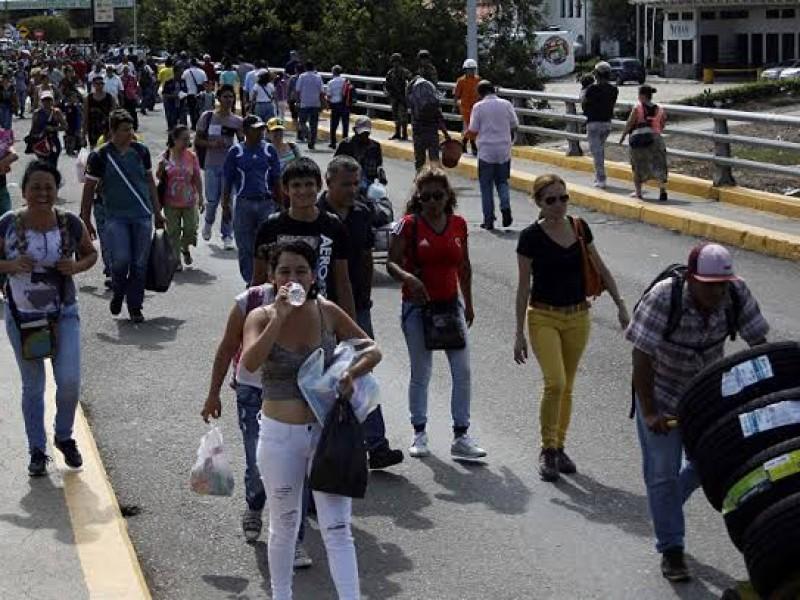 Revisa Colombia puentes dañados tras enfrentamientos con Venezuela