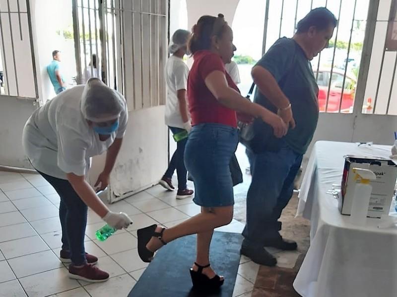 Revisan a burócratas de Manzanillo para descartar casos de coronavirus