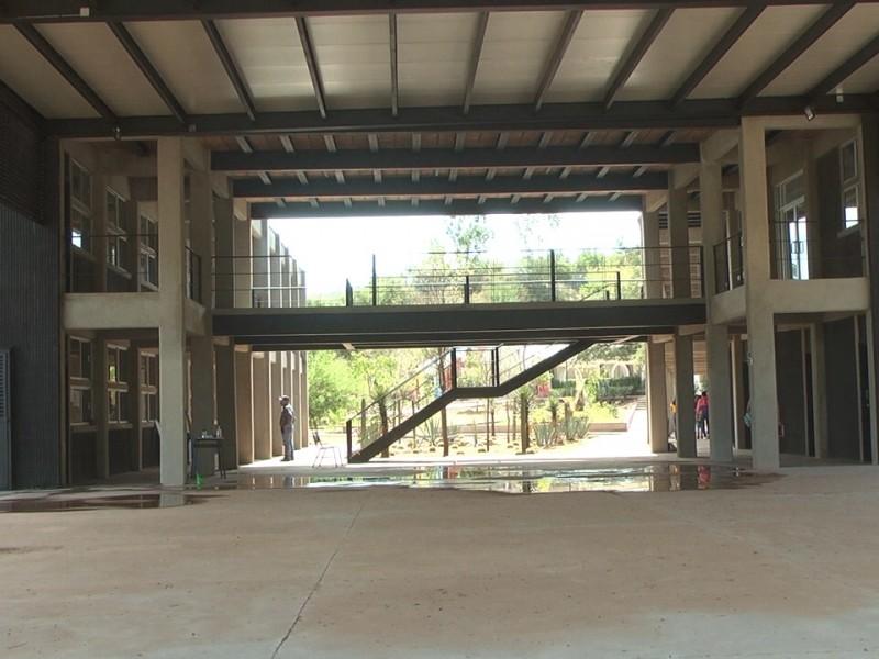 Revisarán infraestructura de preparatoria municipal afectada por lluvias